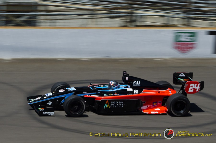 2014-Indy500_05-23-14_107_CarbDay